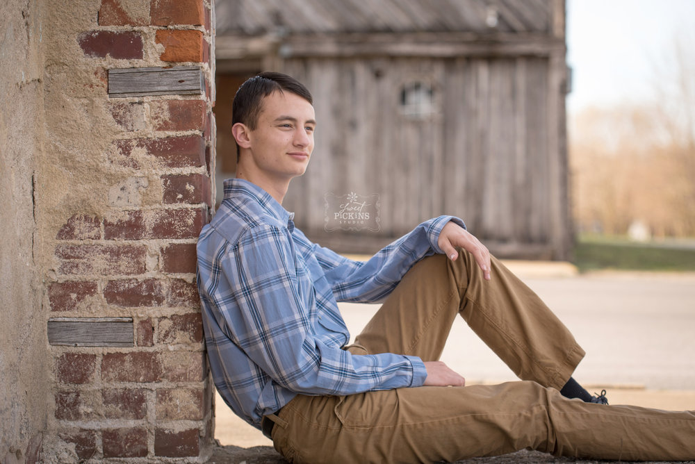 Bunker Hill, Indiana Rustic Senior Session by Sweet Pickins Studio Photographer