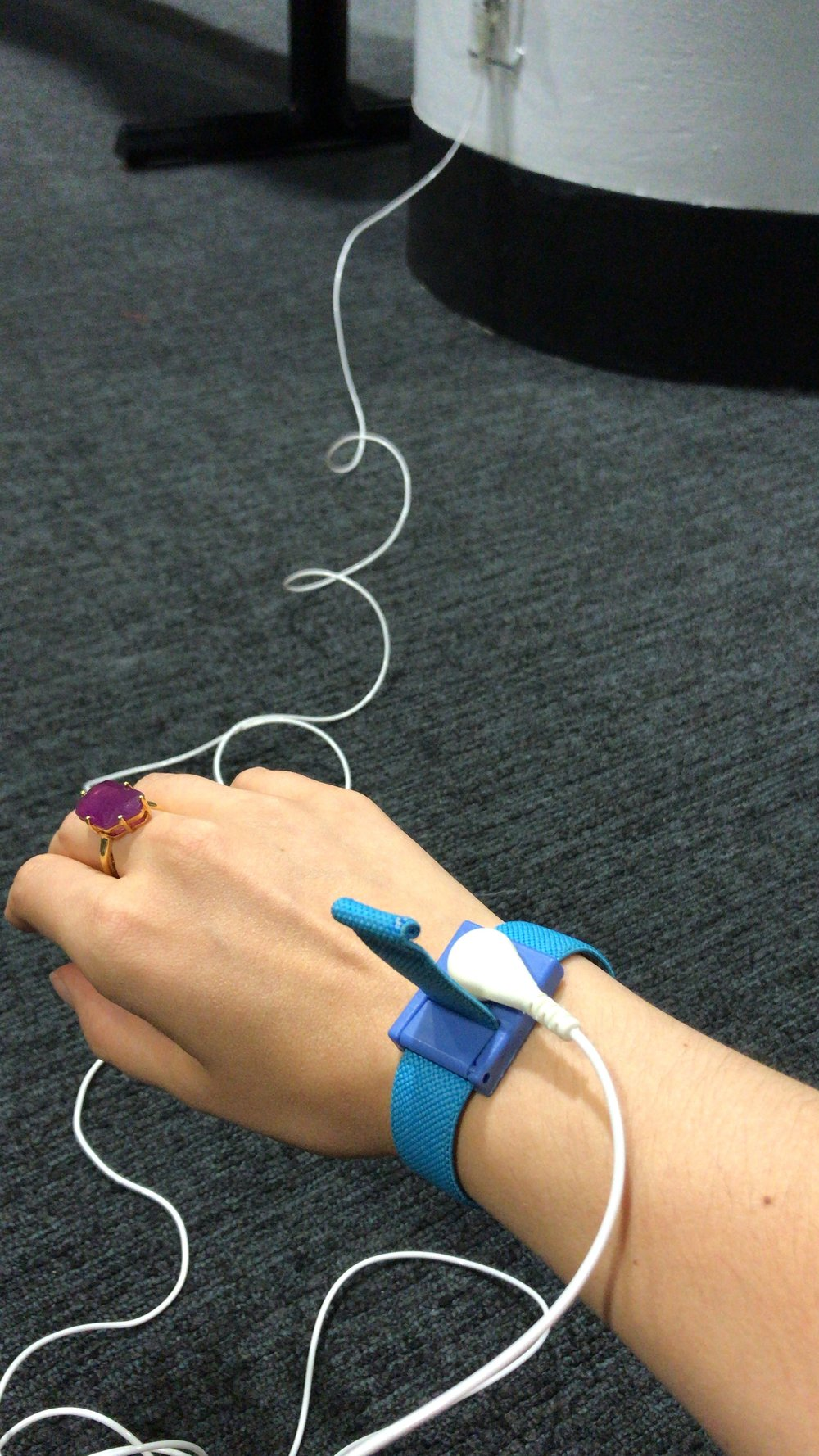 Using my   grounding wristband   at the airport because, well, that WiFi is everywhere and it's not beneficial for my body, ie too many positively charged free radicals — the negative ions (that radiate from the surface of the earth — for FREE), squash all of them. Talk about less wrinkles, better sleep, less aches and pains and more!   Grounding is a game changer.