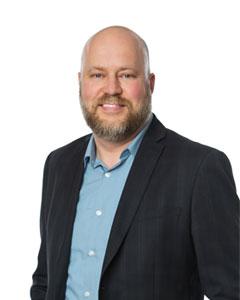 MANFRED KALK Associate Director, Alumni and Events, Alberta School of Business, U of A