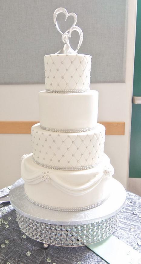 elegant-wedding-cakes-2017-custom-wedding-cake-designs-wedding-cakes-designs-beautiful-wedding-cakes.jpg