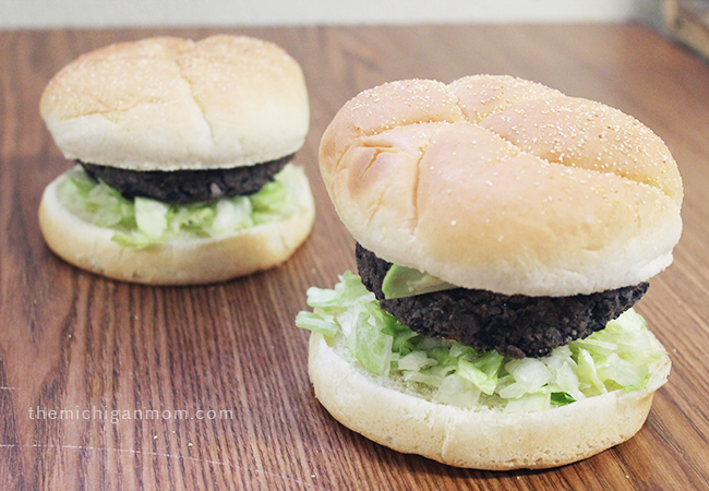 vegan-black-bean-burgers-5