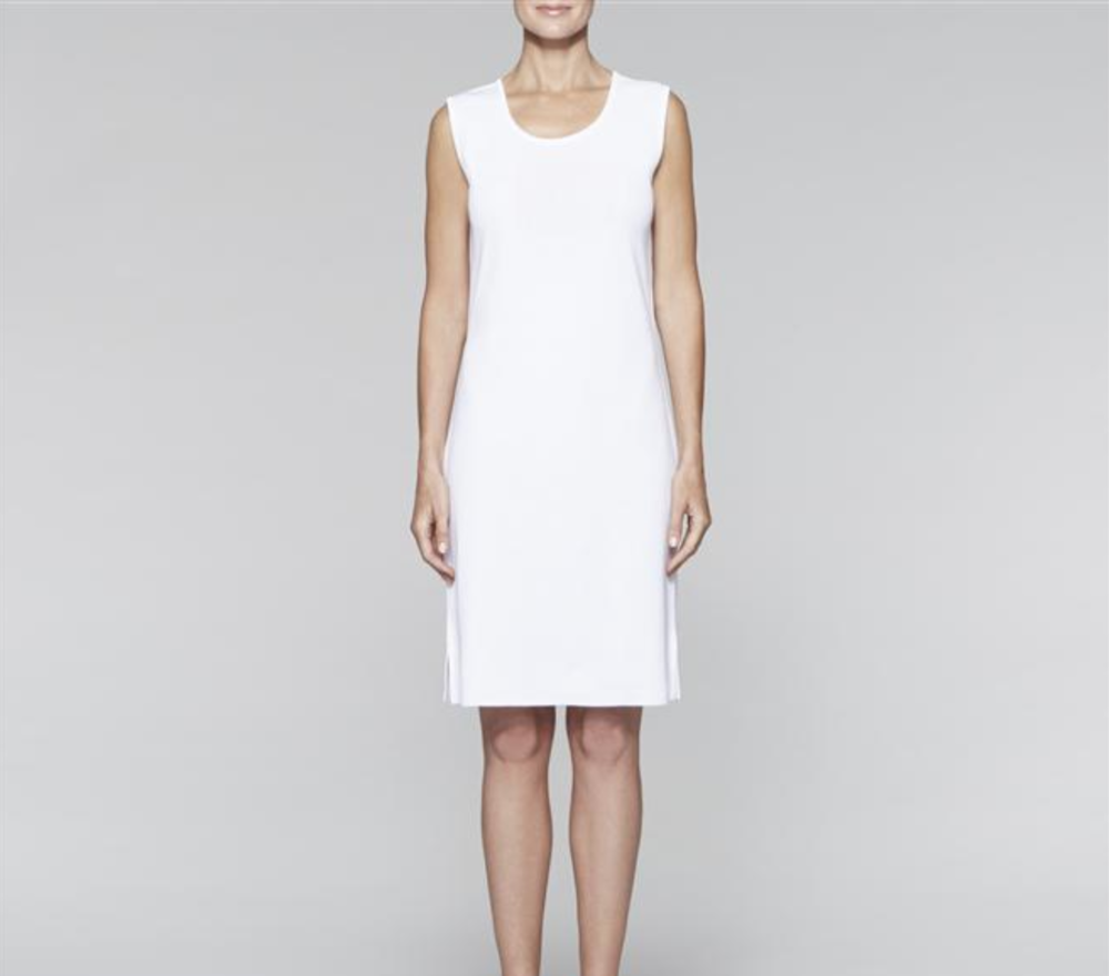"<a href=""http://www.misook.com/item/kd02/201301/sleeveless-sheath-dress?utm_source=gcfam&utm_medium=TK&utm_campaign=MSK7591"" rel=""nofollow"">Sleeveless Sheath Dress</a>"