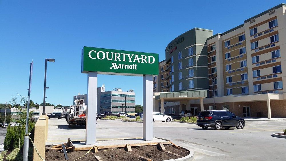 08.23.16 - Courtyard 5.jpg