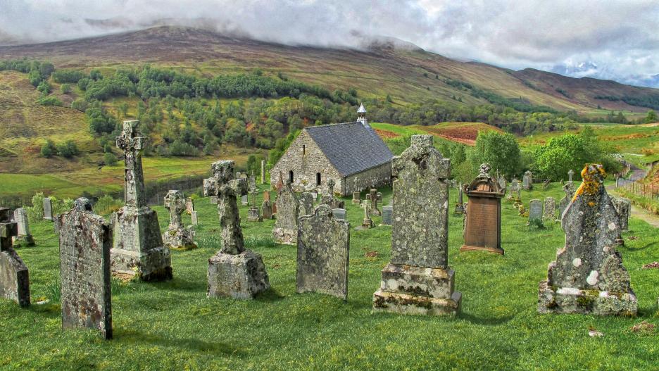 Graves_Scotland.jpg