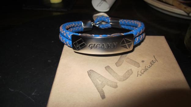 bracelet:box.jpg