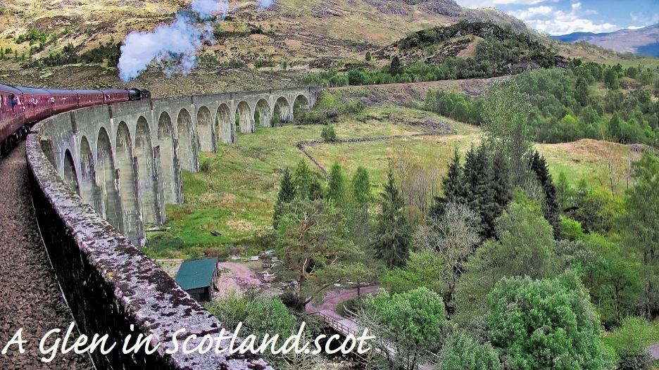 Jacobite Steam Train aka Hogwarts Express on Glenfinnan Viaduct
