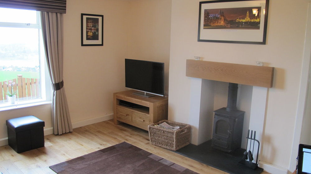 gavinburn lounge 2.jpg