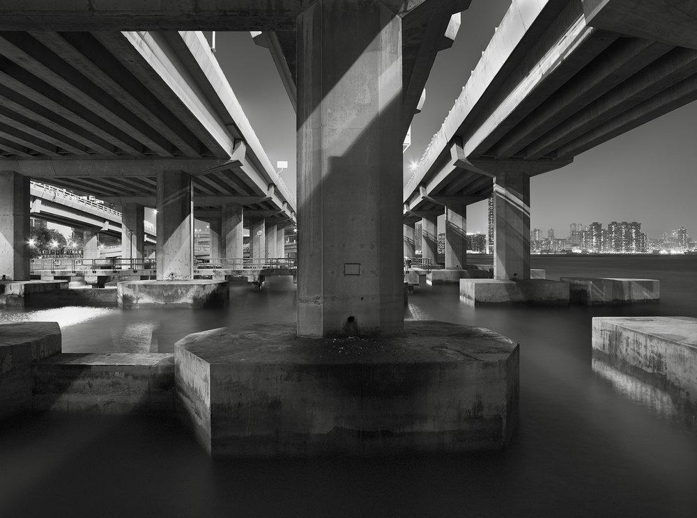 Columns, Hong Kong - 2008.jpg