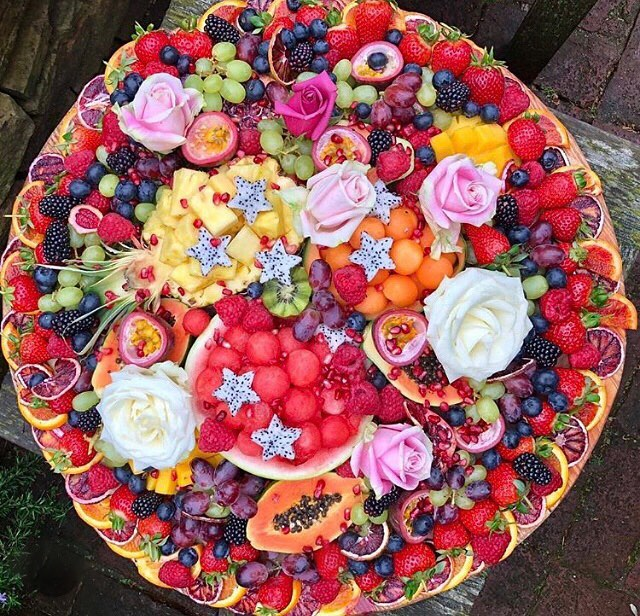 Pretty platters for events available now from Belle&Maxwells🍓🌹 #platter  #canape  #events  #birthday  #anniversary  #babyshower  #bridalshower