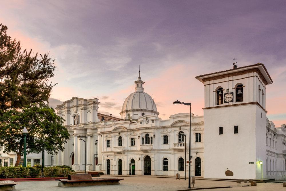 Catedral-Basílica-de-Nuestra-Señora-de-la-Asunción-de-Popayán-Colombia-1.jpg
