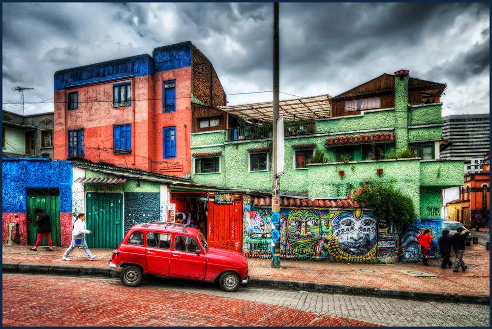 La_Candelaria,_Bogota,_Colombia_(5758241115).jpg