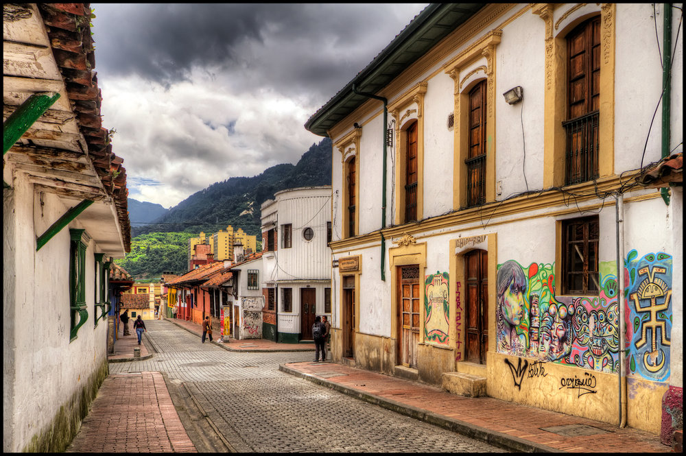 La_Candelaria,_Bogota,_Colombia_(5812845820).jpg