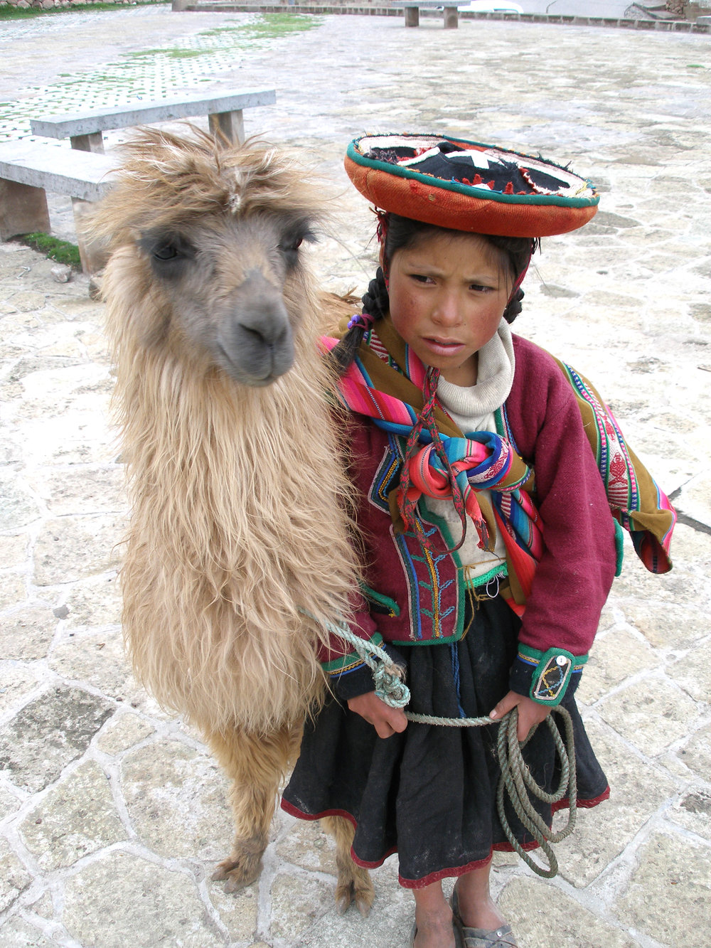 A_Quechua_girl_and_her_Llama.jpg
