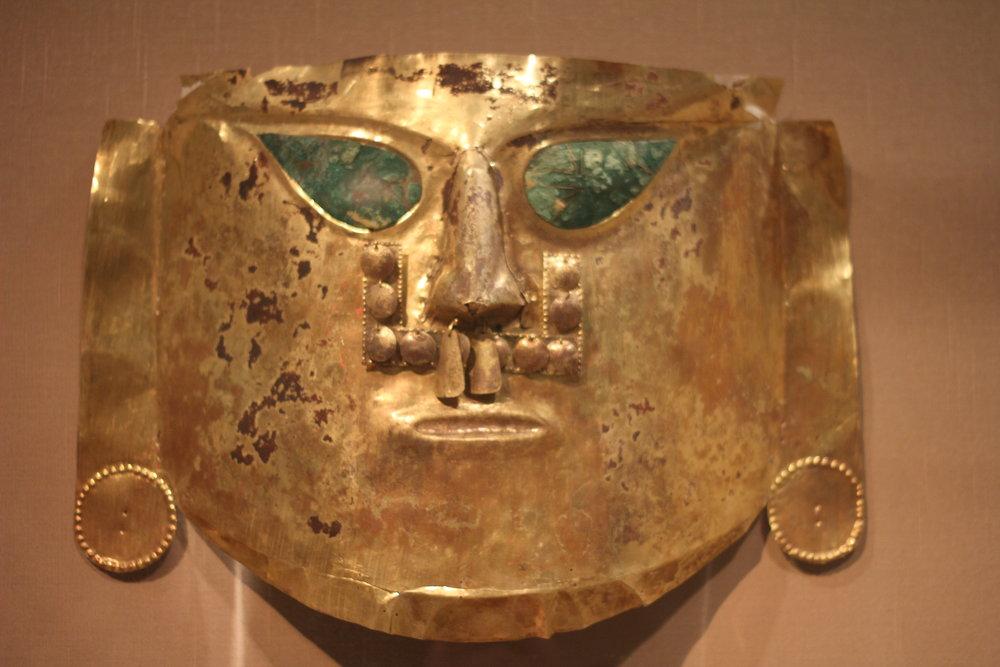 Ceremonial_Mask_(peru,_North_Coast,_La_Leche_Valley,_A.D._900-1100).JPG