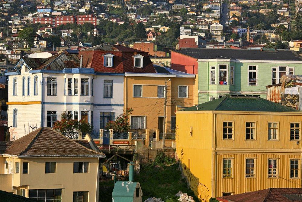 On_the_Hill,_Valparaíso_(Valparaiso),_Chile_(3927311373).jpg