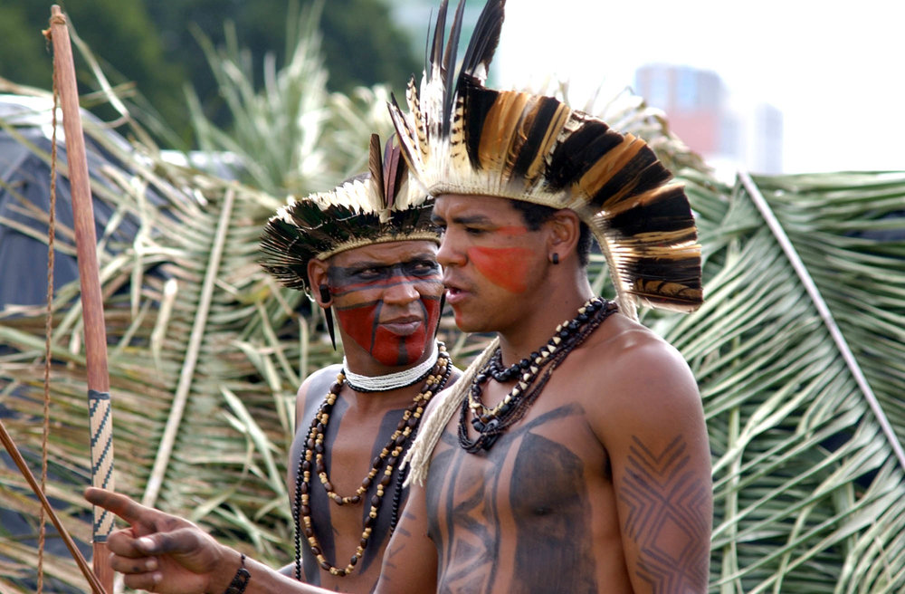 Two_Pataxo_indians_(Brasília,_04_April_2006).jpeg