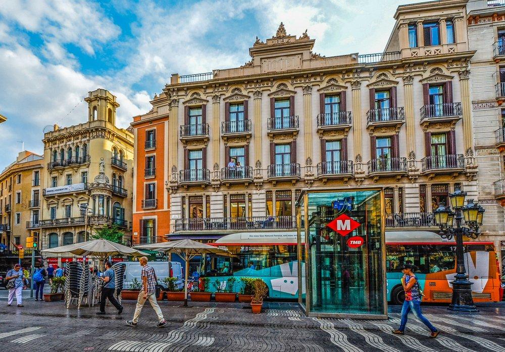 colorful-street-in-barcelona.jpg
