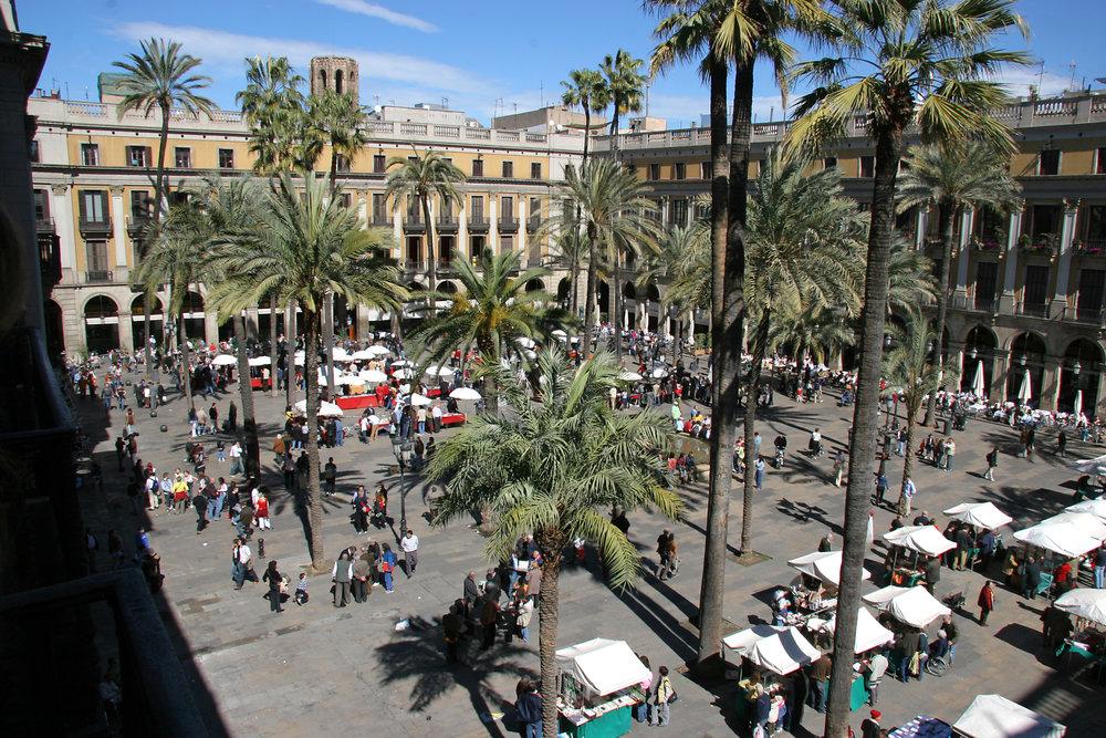Barcelona_Plaza_Real.jpg