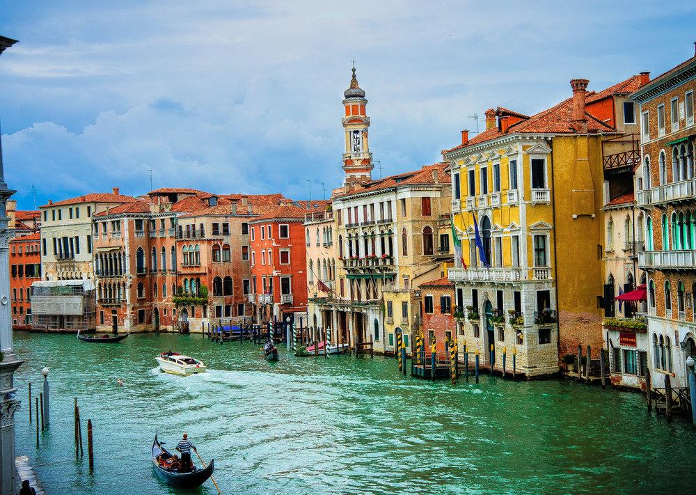 gondola-canal-in-venice-italy.jpg