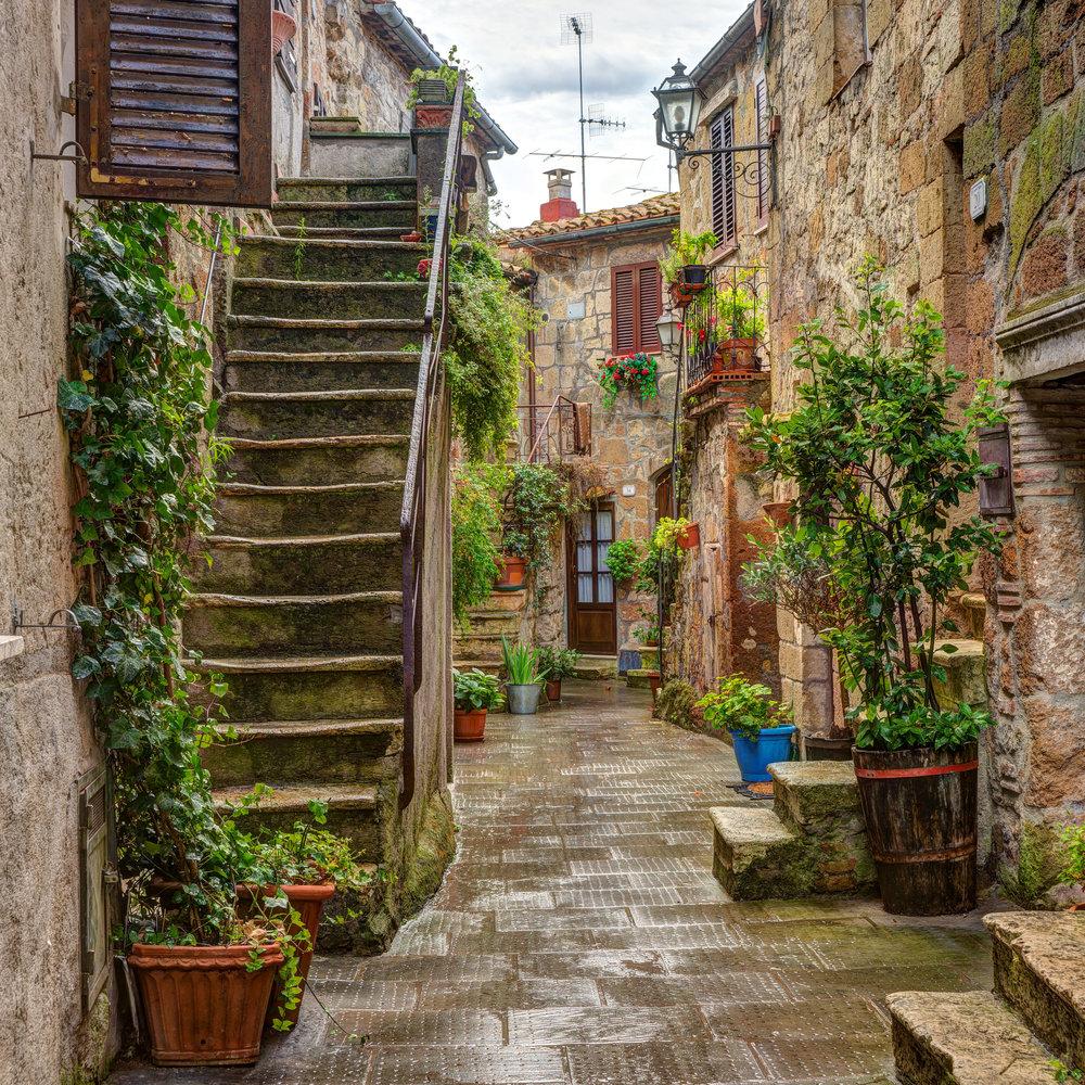 Pitigliano Tuscany Italy.jpg
