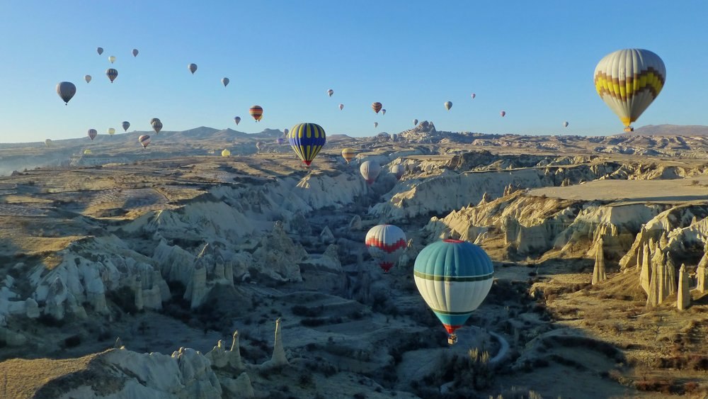Aerial_view_of_Love_valley_Cappadocia_from_hot_air_balloon_1510232_3_4_Compressor.jpg