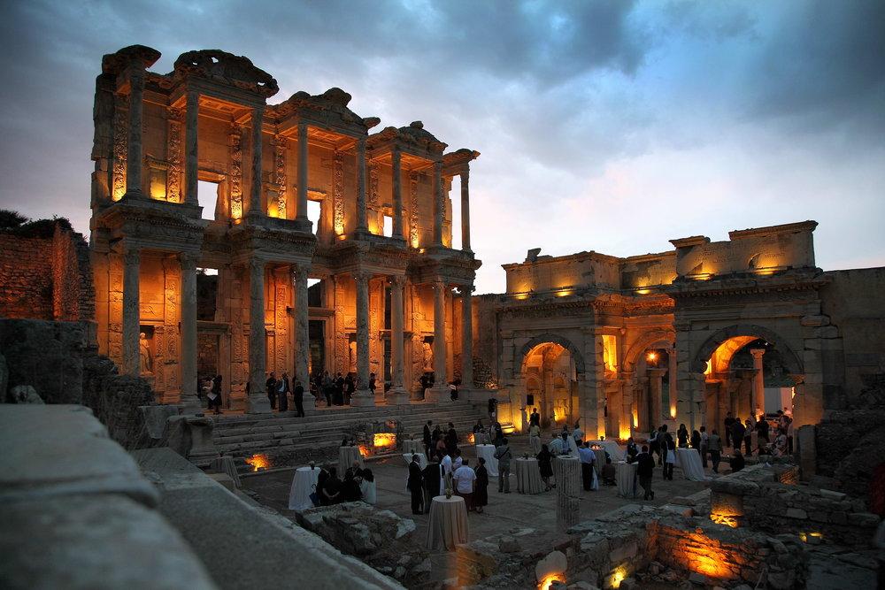 Celsus_Library,_Ephesus.jpg