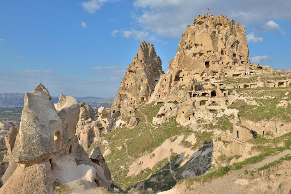 Castle_Uçhisar_in_Cappadocia.jpg