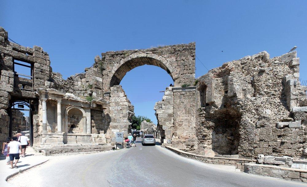 Side_-_Vespasian_Gate.jpg