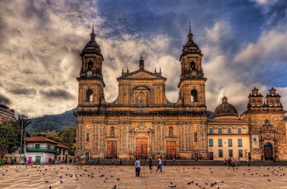 Catedral_Primada,_Bogota,_Colombia_(5796344537).jpg