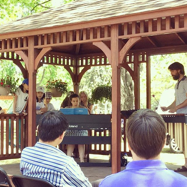 SHHH!! Ensemble in action @cdntulipfest @musicbeyondott #duo #piano #marimba #spring #tulips #music #classical #sun #fun #gazebo #victoriaday #ottmusic #ottawa