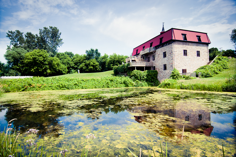 wedding-venue-au-vieux-moulin-rigaud-montreal-photographer
