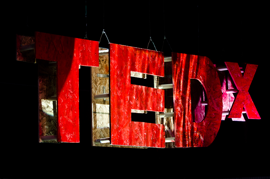 ted-tedx-mcgill-sign-montreal-photographer-bain-mathieu