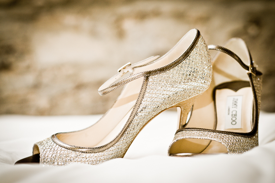 wedding-bride-jimmy-choo-shoes-montreal-photographer