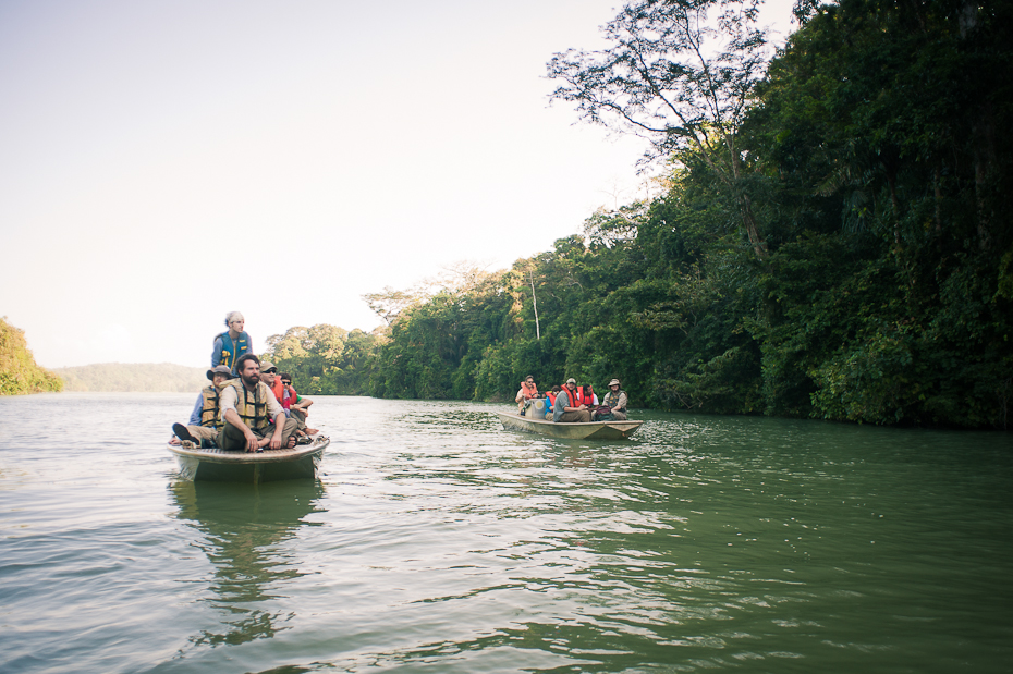students-boat-McGill-University-field-course-Panama-research-fieldwork-Montreal-photographer