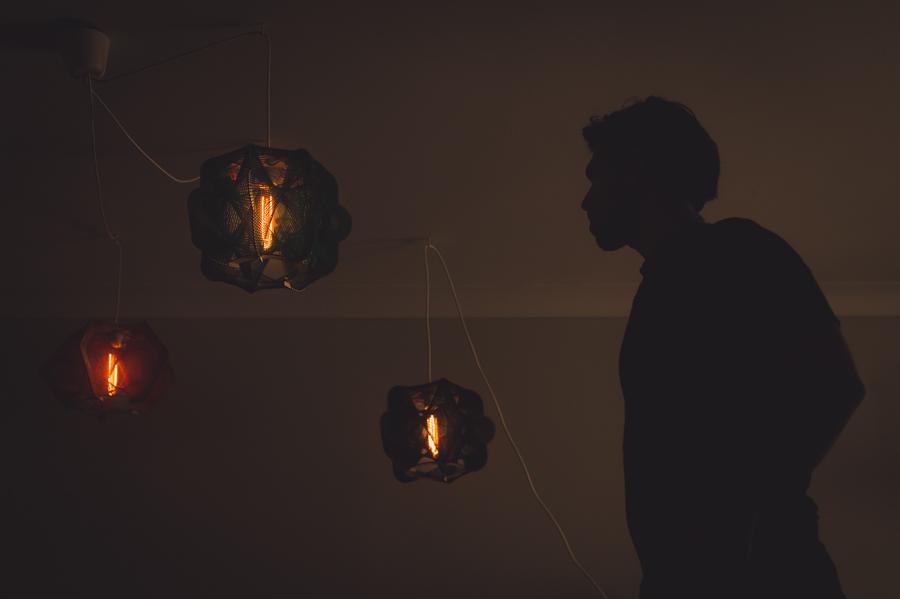 portrait-montreal-artist-ariel-harlap-zooratura-photographer-alex-tran-silhouette-lampshade-bulb