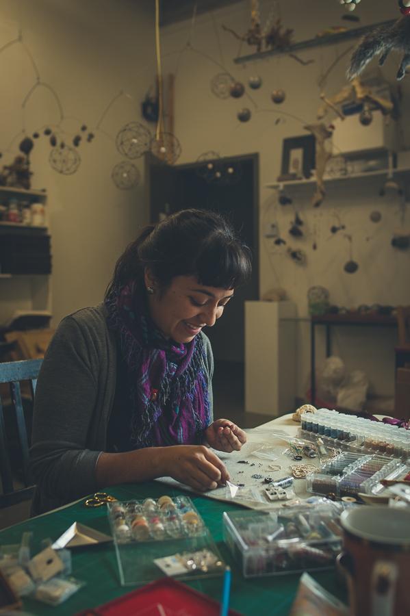 portrait-artist-carolina-murillo-morales-working-art-studio-the-long-haul-montreal