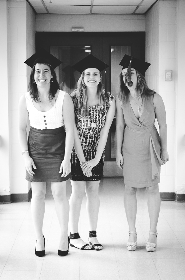 graduation-portrait-stewart-biology-group-friends-montreal-photographer