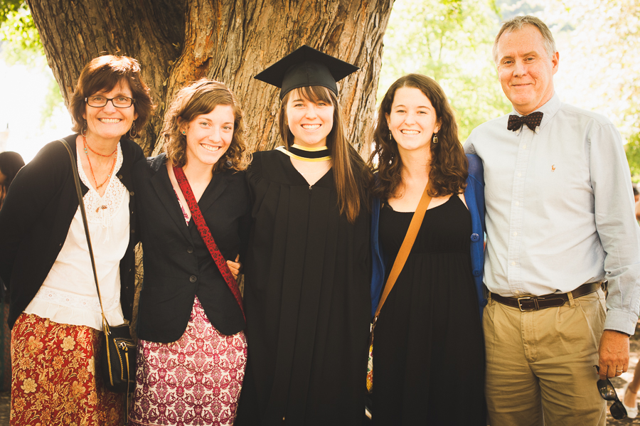 family-portrait-convocation-graduation-picture-photographer-alex-tran