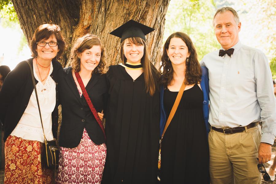 family-portrait-convocation-graduation-picture-photographer-alex-tran