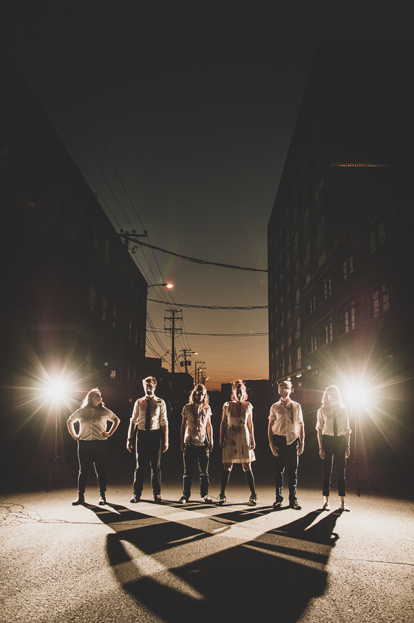 mongrel-improv-comedy-troupe-outdoor-nighttime-flashes-montreal-photographer-alex-tran