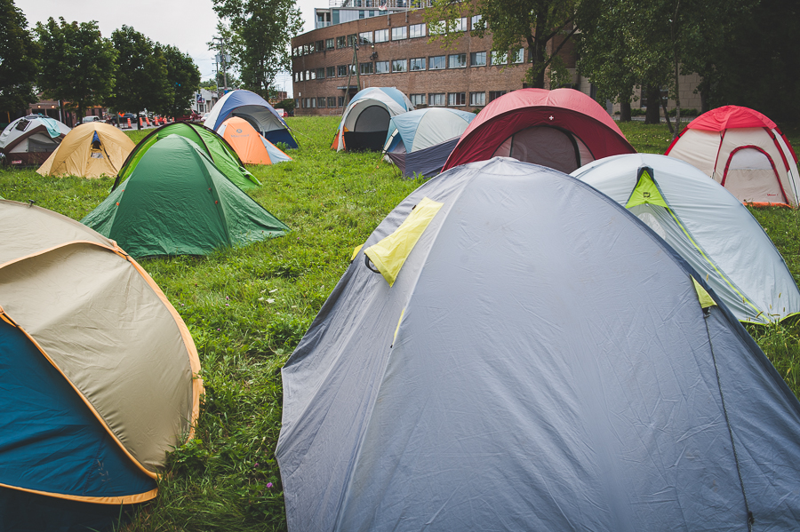 many-tents-camping-field-montreal