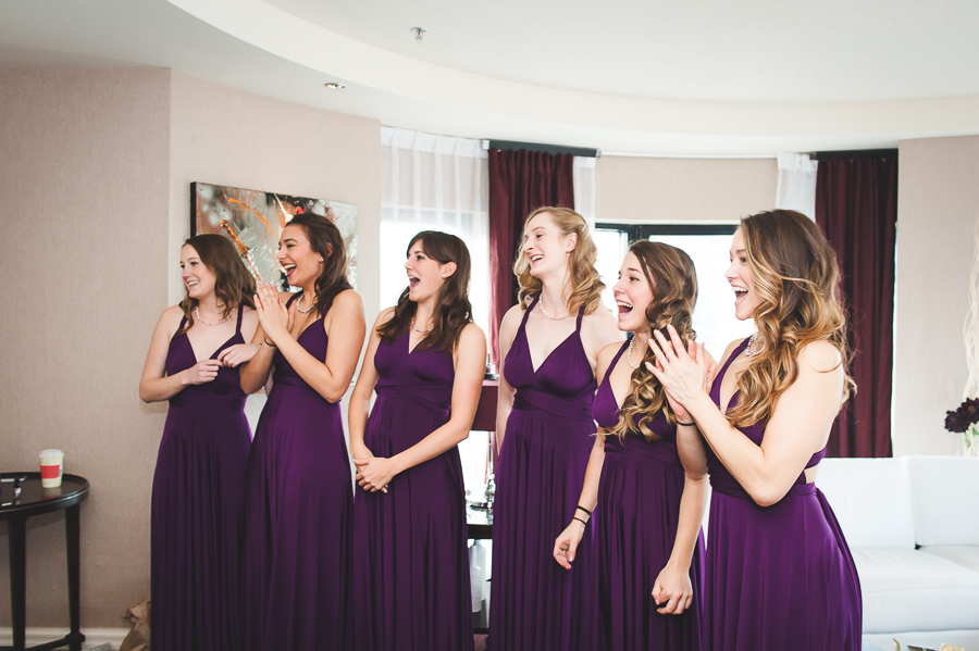 bridesmaids-first-look-reaction