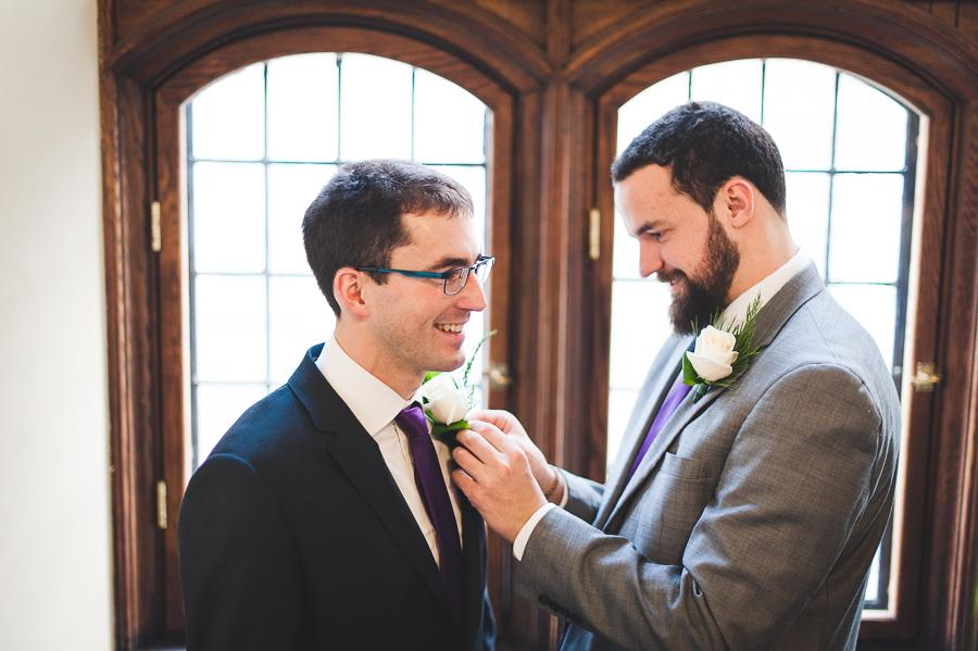 groomsmen-best-man-boutonniere