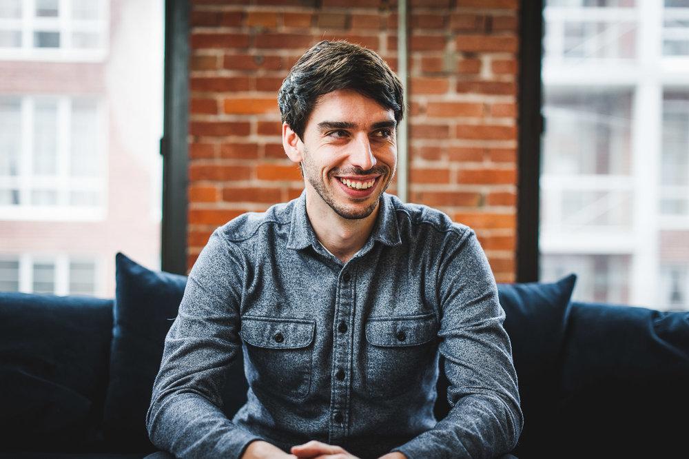 portrait-professionnel-entrepreneur-studio-alex-tran-montreal