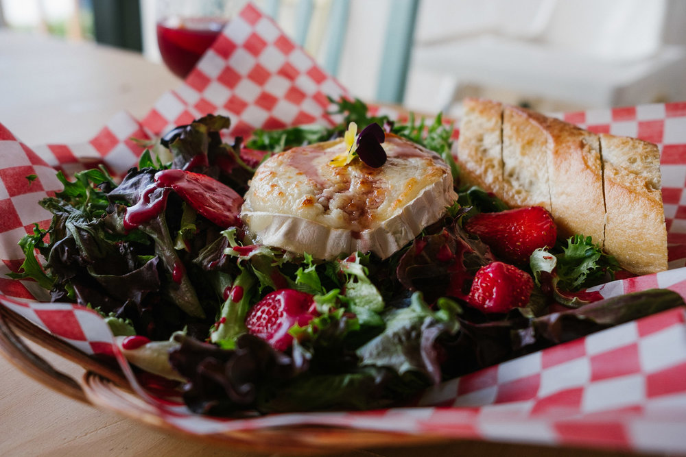 chèvre-fondant-salade-mona-cassis