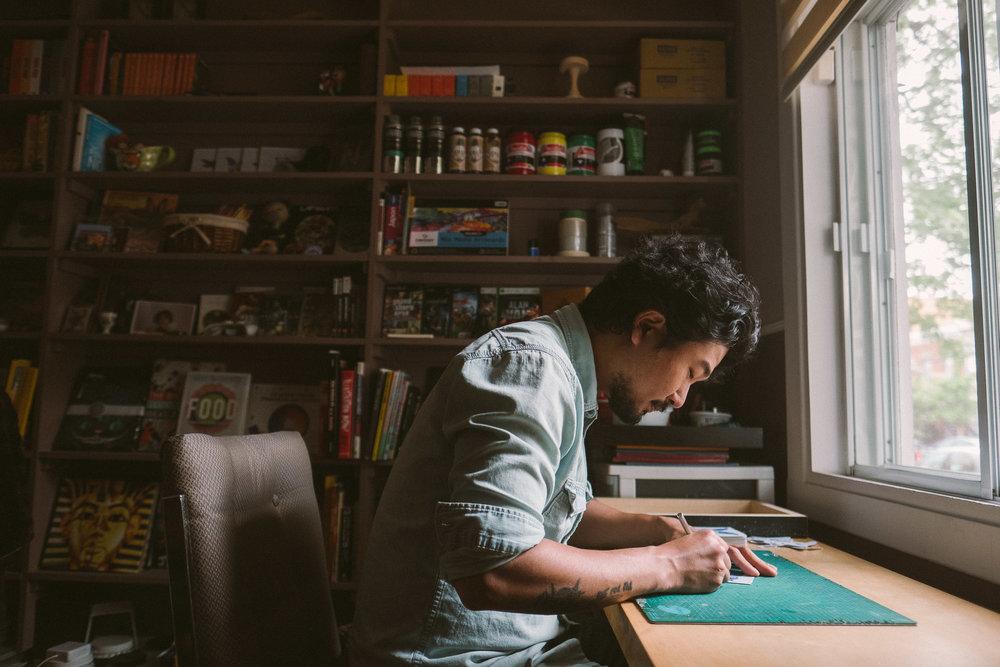 montreal-artist-raku-inoue-working