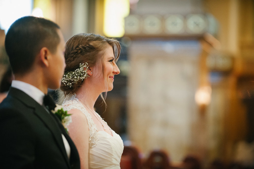 bride-during-ceremony-in-verdun-eglise