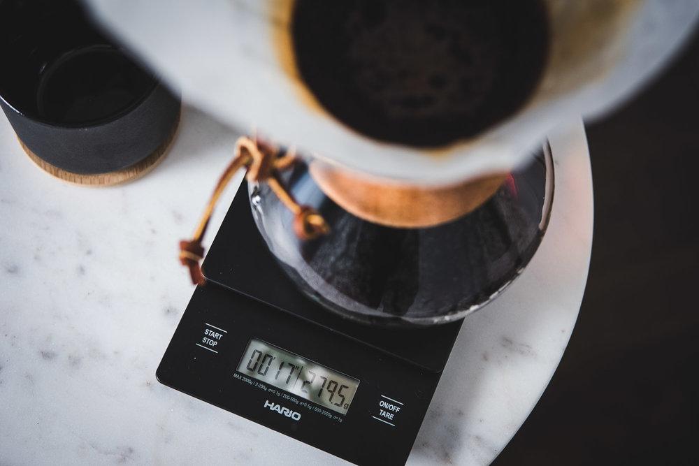 coffee-hario-scale-close-up
