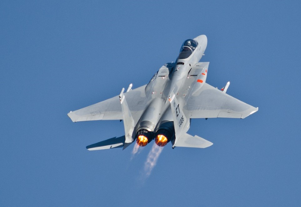 jet fighter sky.jpg