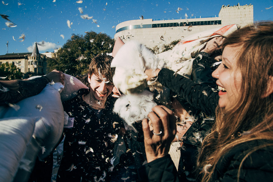 pillowfight-barcelona-2016-mich-seixas-1-2.jpg